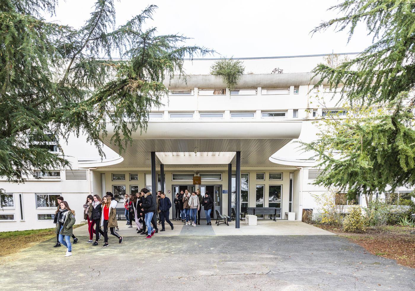 Lycée Edgard Pisani