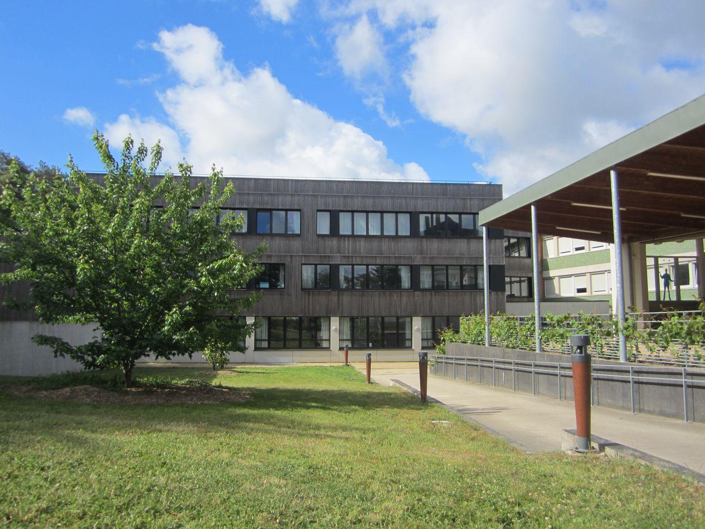 Lycée Angers Le Fresne, lycée d'enseignement général et technologique, lycée professionnel agricole